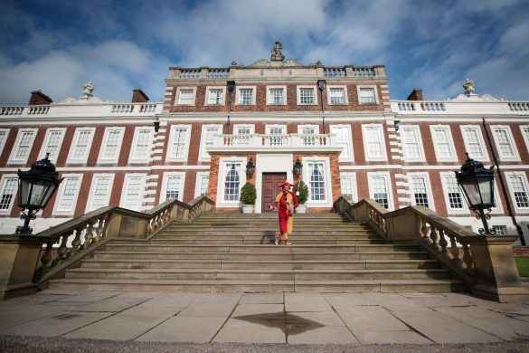 Sell out crowd enjoys Shakespeare at Knowsley Hall