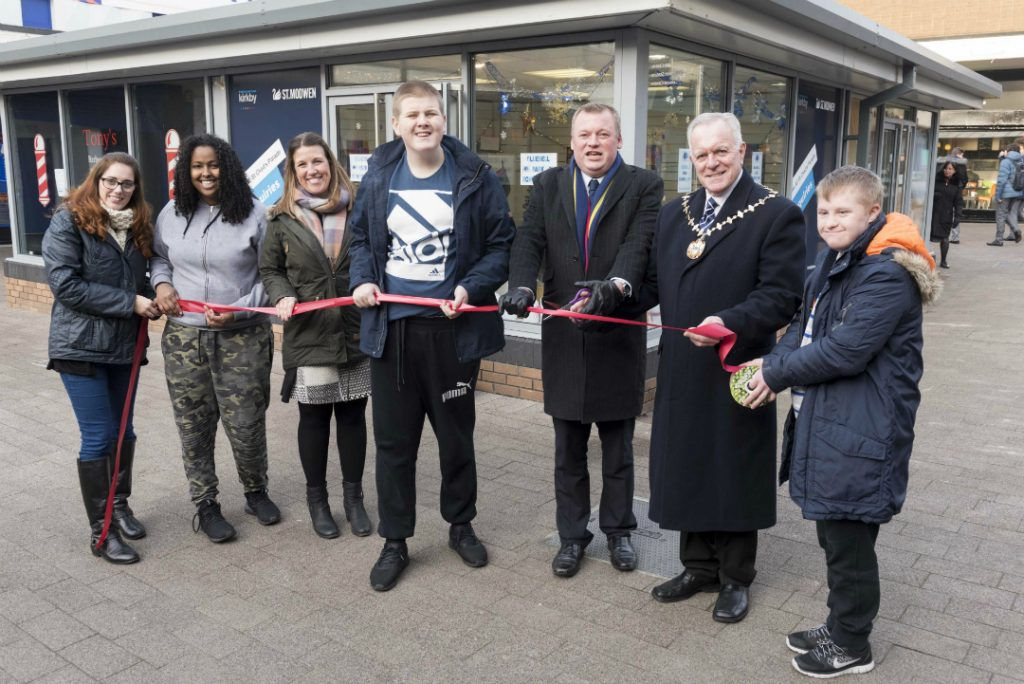 Ribbon cutting to officially open pop up Christmas shop in Kirkby